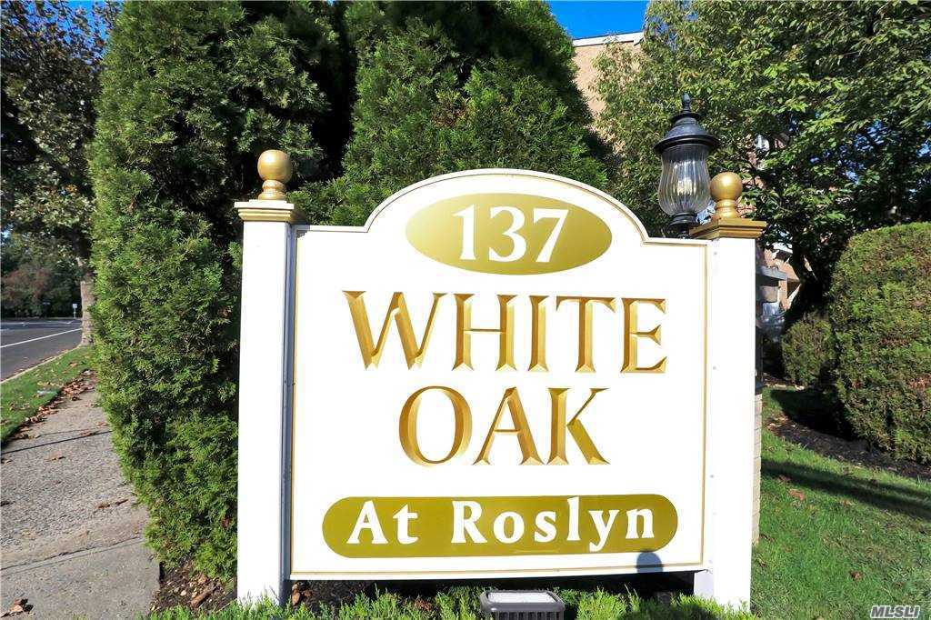 Property for sale at 137 Powerhouse Road Unit: 4E, Roslyn Heights,  New York 11577