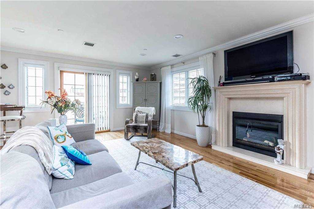 Property for sale at 435 E Broadway Unit: B, Long Beach,  New York 11561