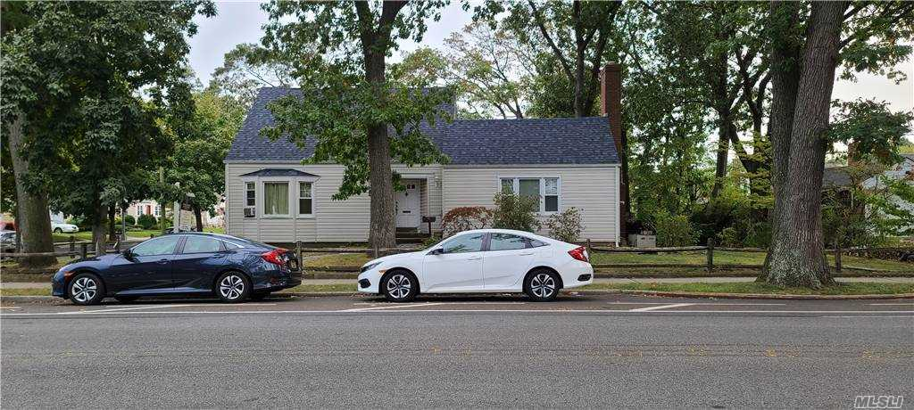 Property for sale at 259-18 80th Avenue, Floral Park,  New York 11004