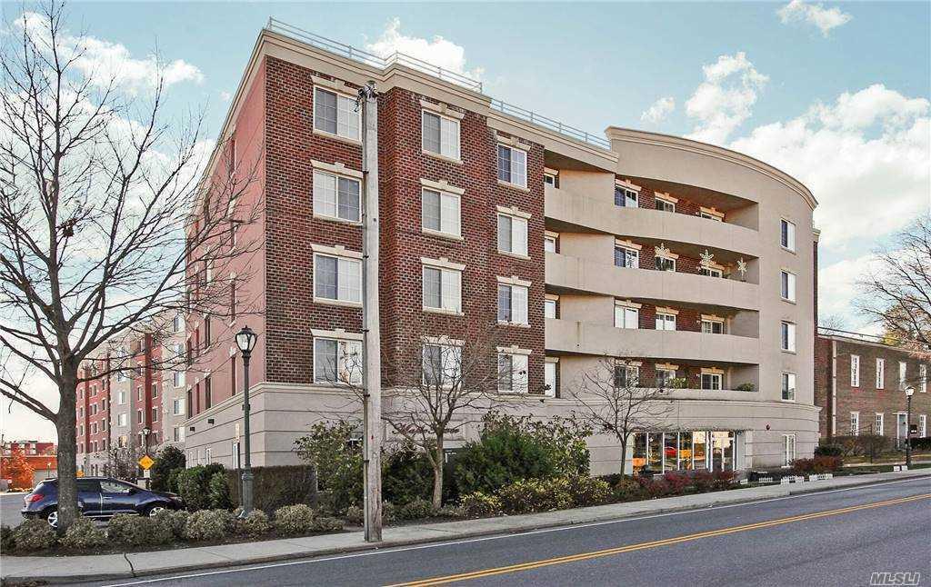 Property for sale at 242 Maple Avenue Unit: 210, Westbury,  New York 11590