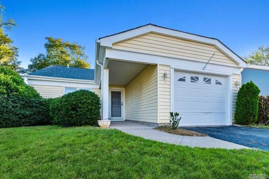 Property for sale at 436 Kingston Drive, Ridge,  New York 11961