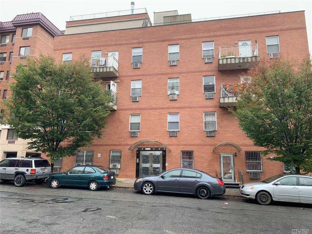 Property for sale at 71-77 159th Street Unit: 5B, Fresh Meadows,  New York 11365