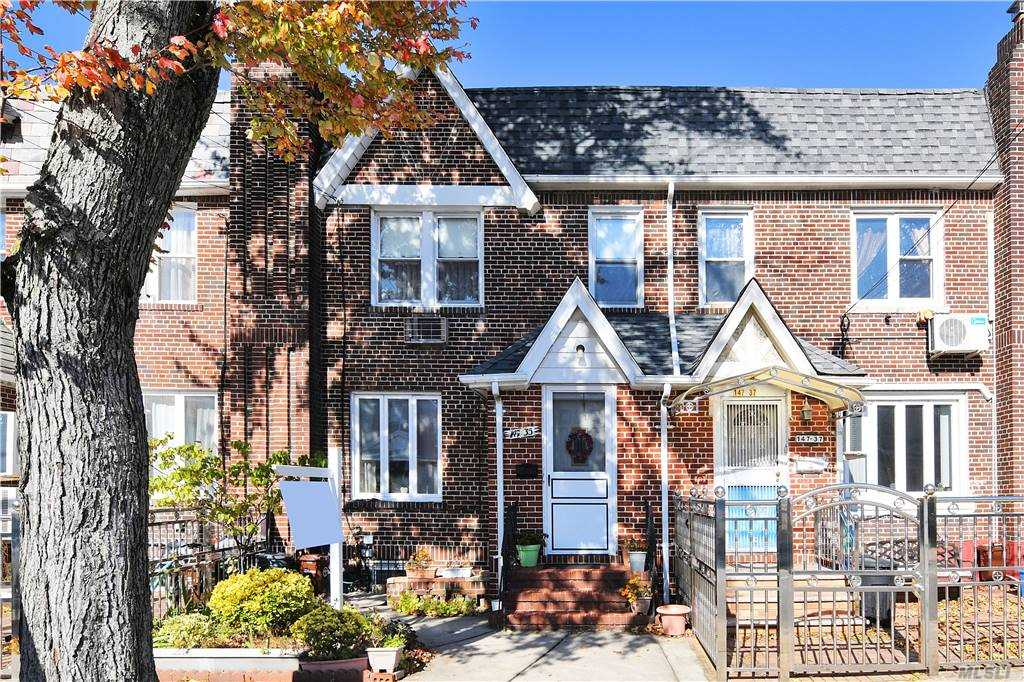 Property for sale at 147-35 Coolidge Avenue, Briarwood,  New York 11435