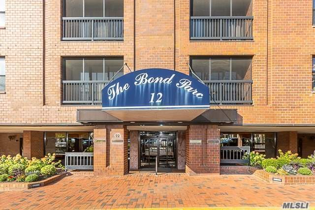 Property for sale at 12 Bond St Unit: 6E, Great Neck,  New York 11021