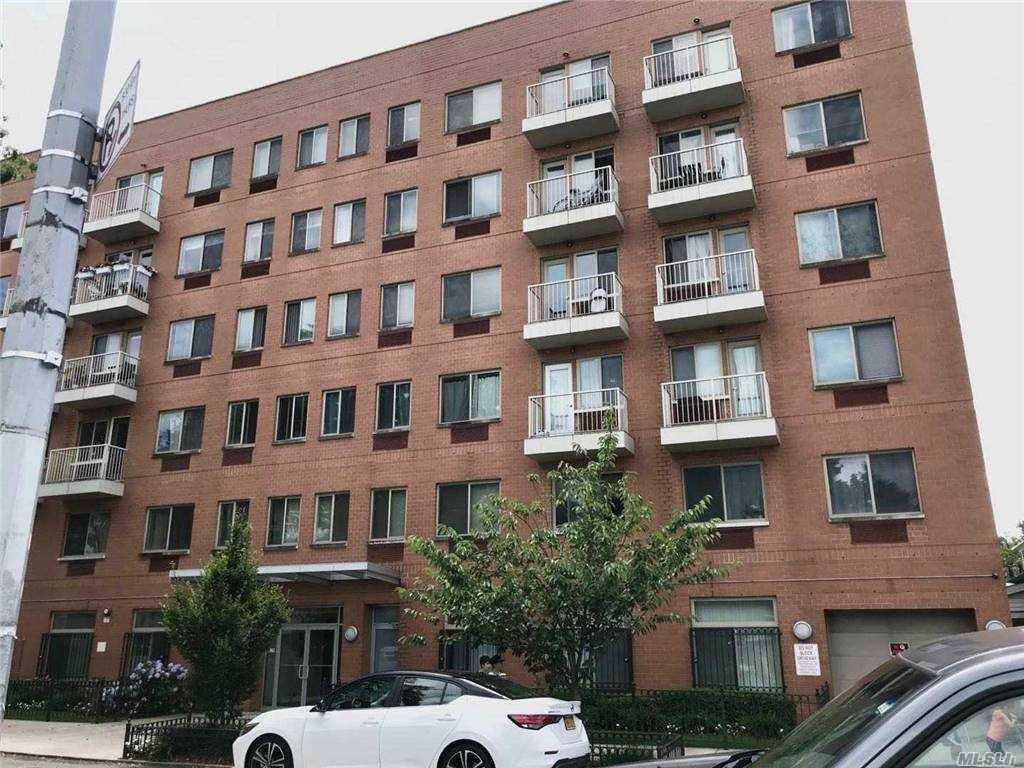 143-20 HOOVER AVENUE #204, BRIARWOOD, NY 11435