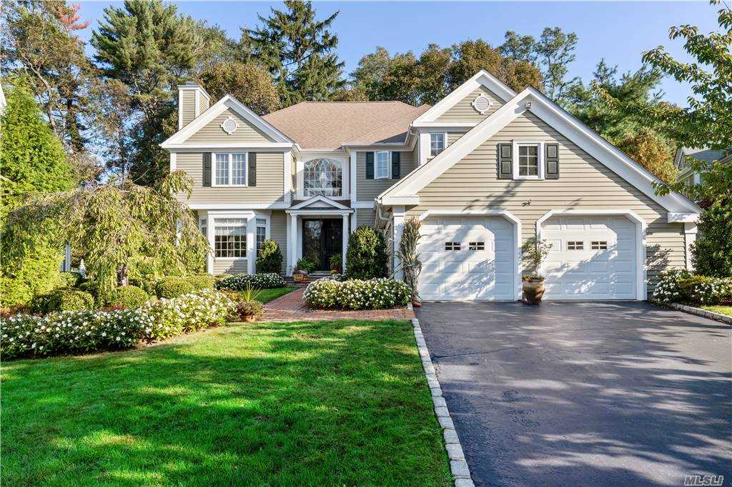 Property for sale at 29 Evergreen Circle, Manhasset,  New York 11030