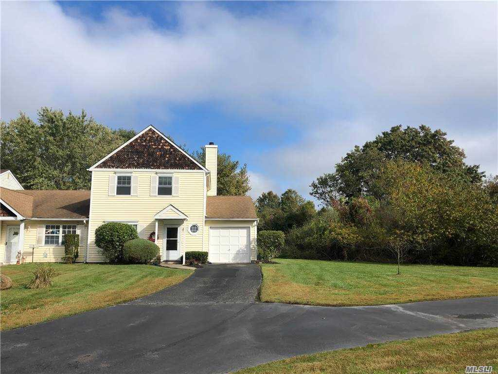 Property for sale at 6 Grouse Path, Coram,  New York 11727