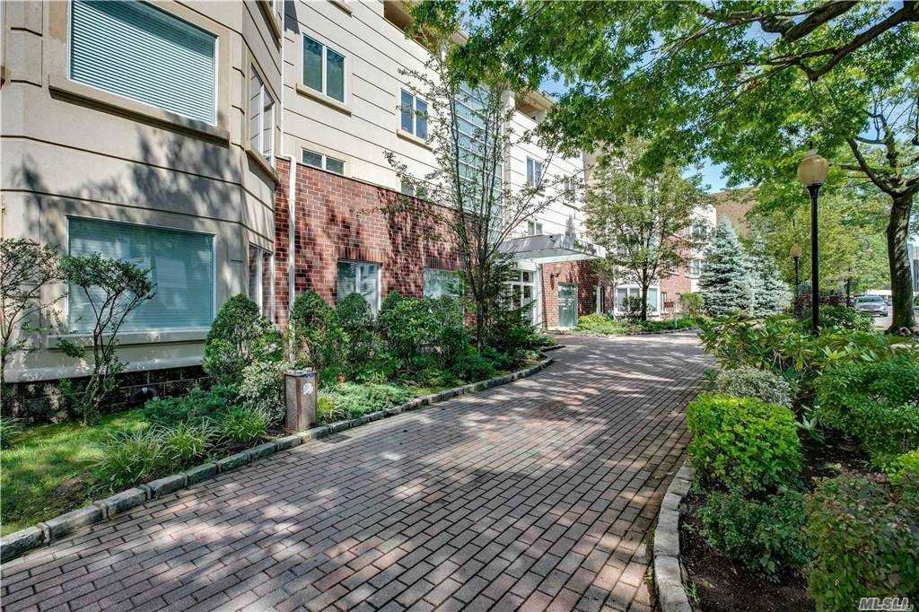 Property for sale at 171 Great Neck Road Unit: 2B, Great Neck,  New York 11021