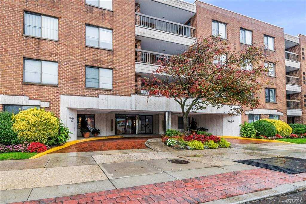 Property for sale at 376 Central Avenue Unit: 4m, Lawrence,  New York 11559