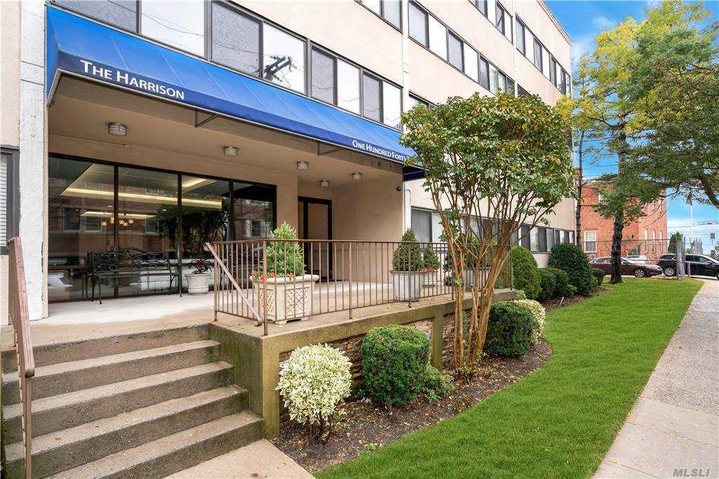 Property for sale at 142 Main Street Unit: 2H, Mineola,  New York 11501
