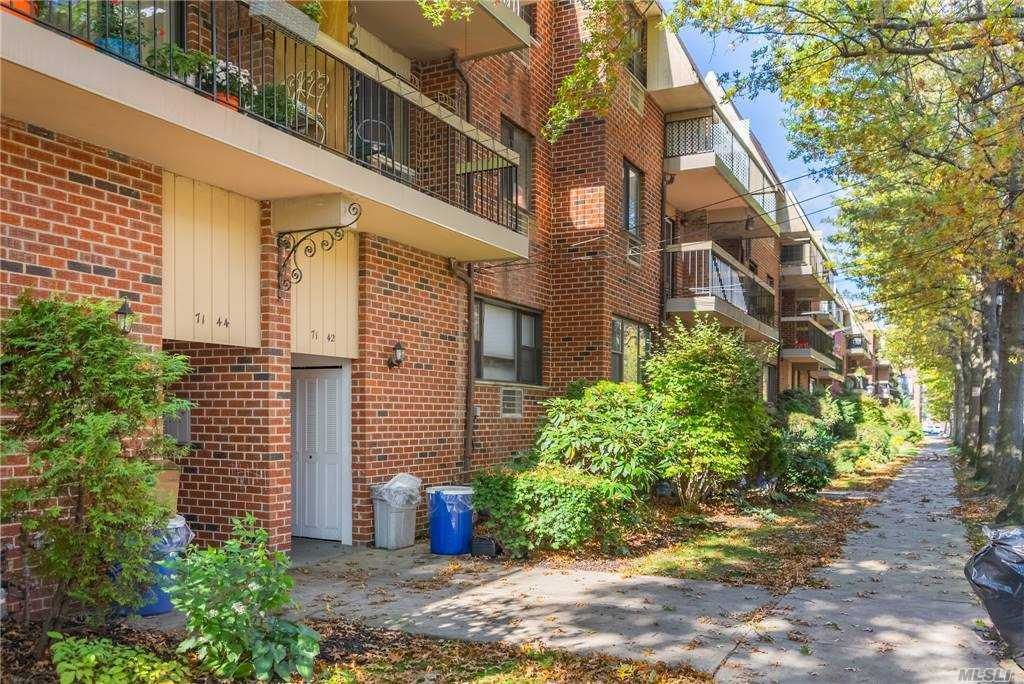 Property for sale at 71-42 162 Street Unit: 3Floor, Fresh Meadows,  New York 11365
