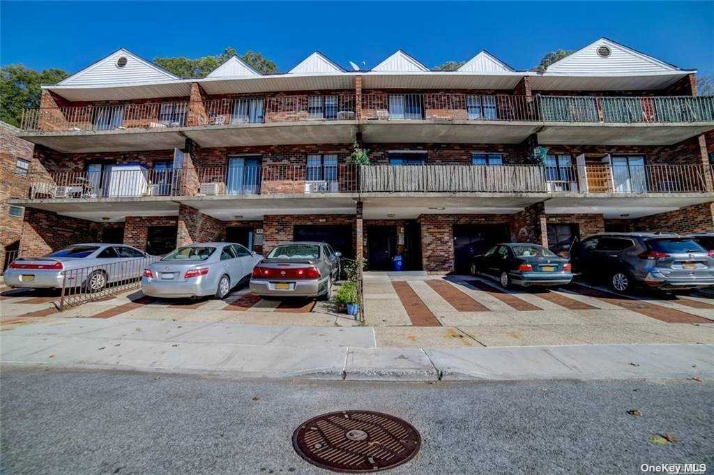 Property for sale at 67-05 242nd Street Unit: 22B 2R, Little Neck,  New York 11362
