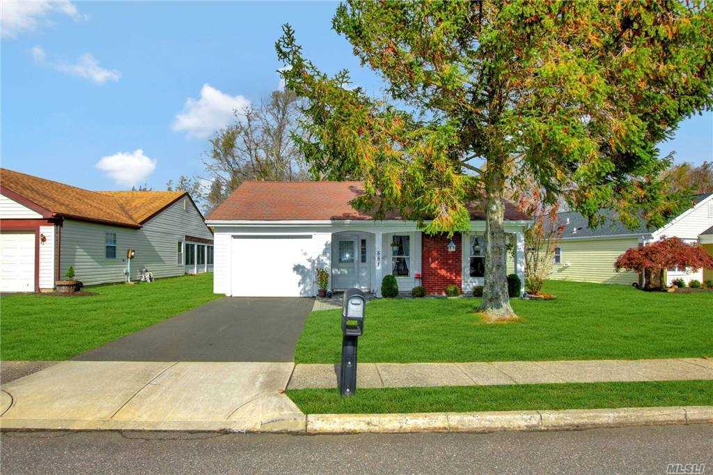Property for sale at 551 Stratford Lane, Ridge,  New York 11961