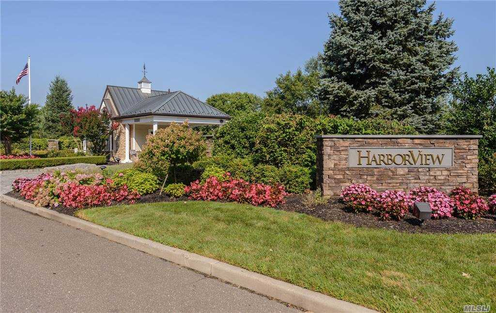 Property for sale at 35 W Overlook, Port Washington,  New York 11050