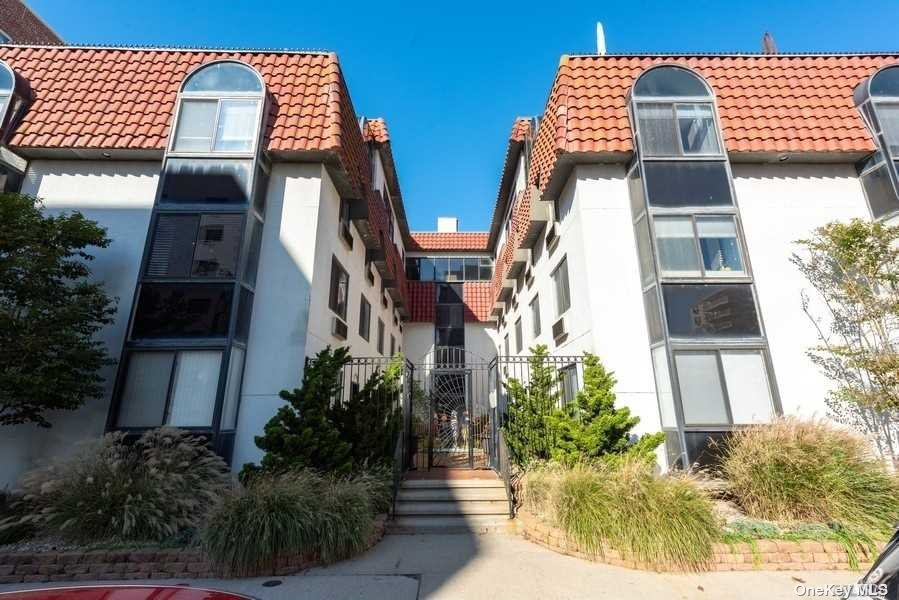Property for sale at 425 Shore Road Unit: 2B, Long Beach,  New York 11561