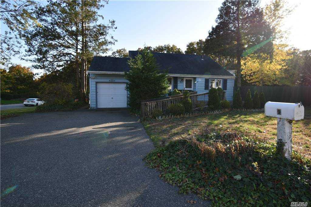 Single Family Norton Avenue  Suffolk, NY 11776, MLS-3267425-2