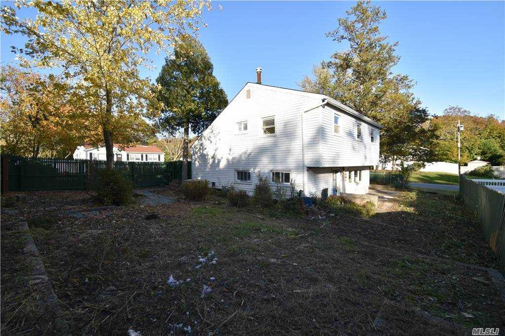Single Family Norton Avenue  Suffolk, NY 11776, MLS-3267425-6