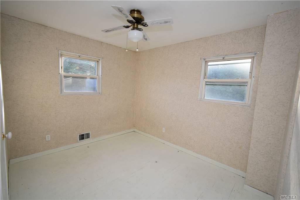 Single Family Norton Avenue  Suffolk, NY 11776, MLS-3267425-12