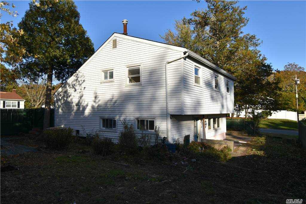 Single Family Norton Avenue  Suffolk, NY 11776, MLS-3267425-7