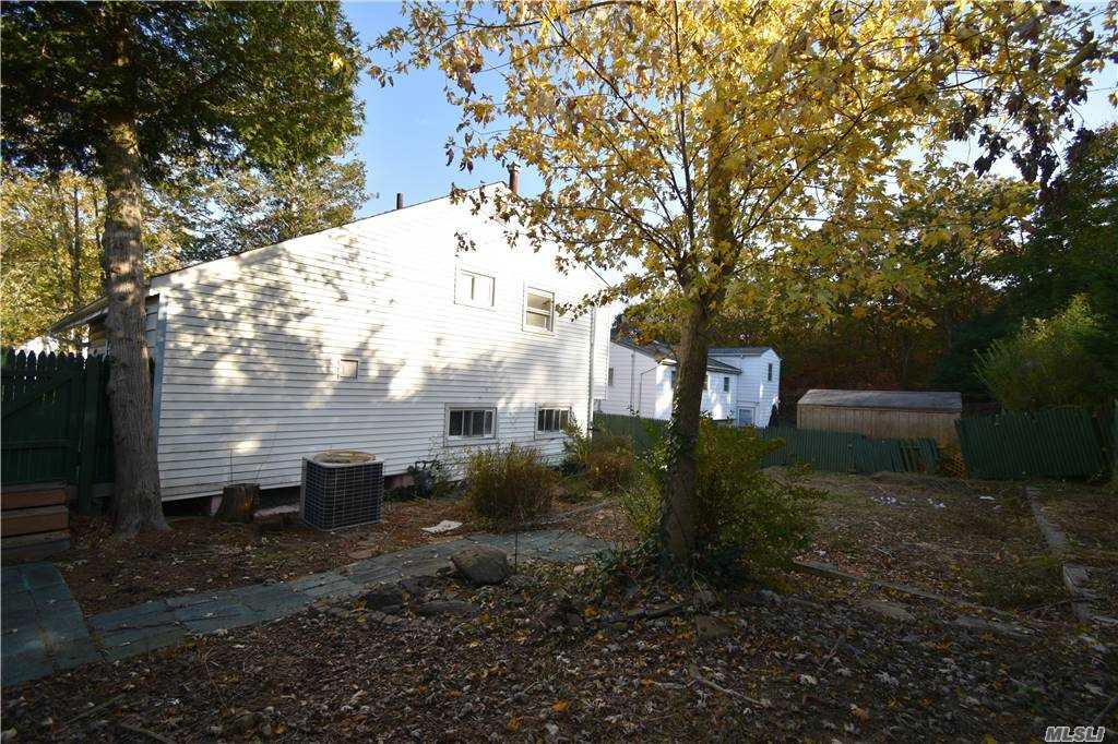 Single Family Norton Avenue  Suffolk, NY 11776, MLS-3267425-9