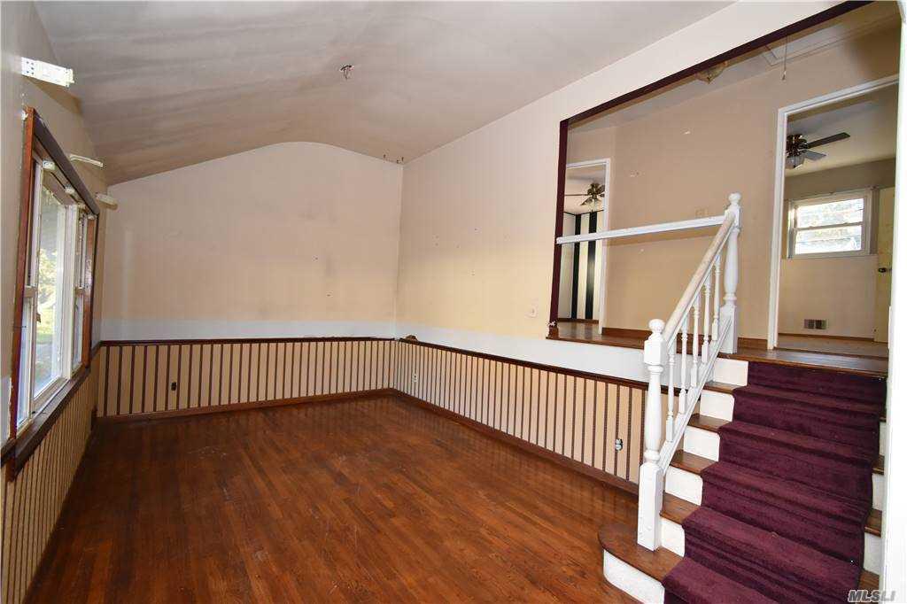 Single Family Norton Avenue  Suffolk, NY 11776, MLS-3267425-10