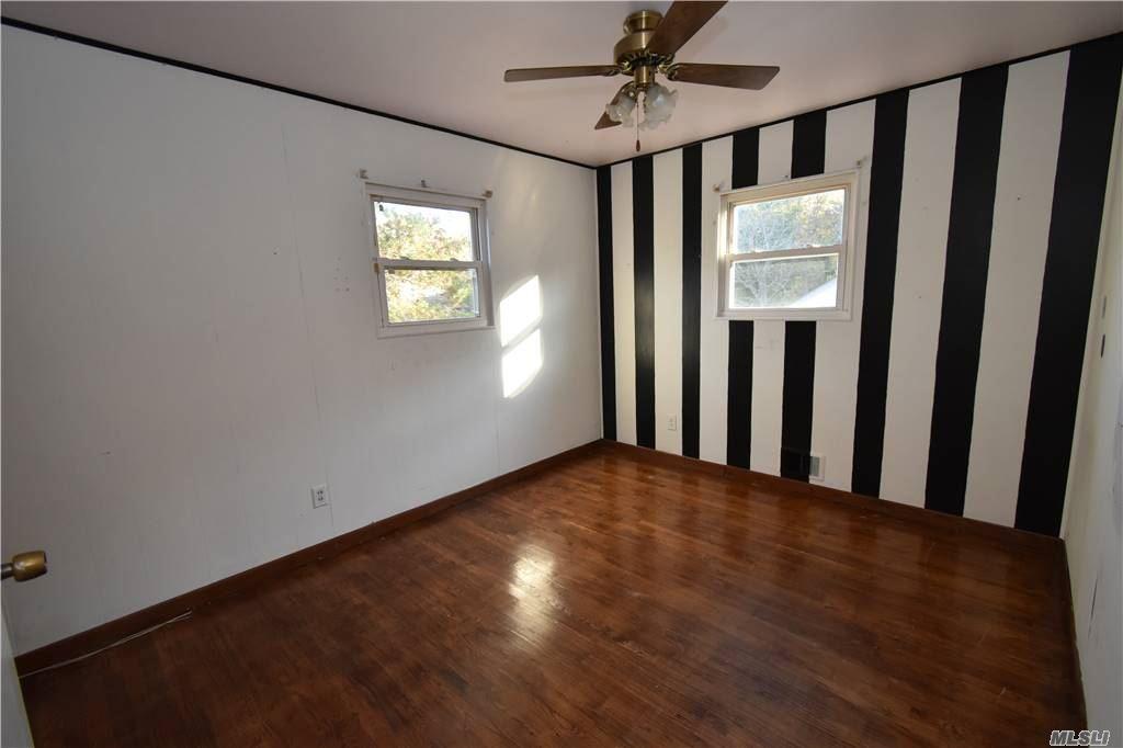 Single Family Norton Avenue  Suffolk, NY 11776, MLS-3267425-14