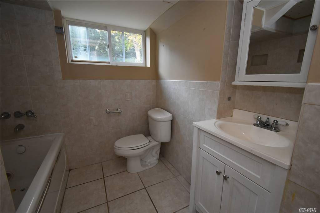 Single Family Norton Avenue  Suffolk, NY 11776, MLS-3267425-19