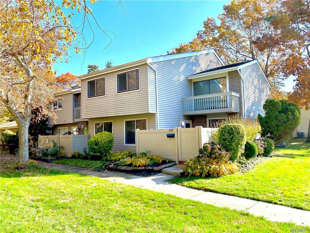 Property for sale at 236M Springmeadow Drive Unit: M, Holbrook,  New York 11741