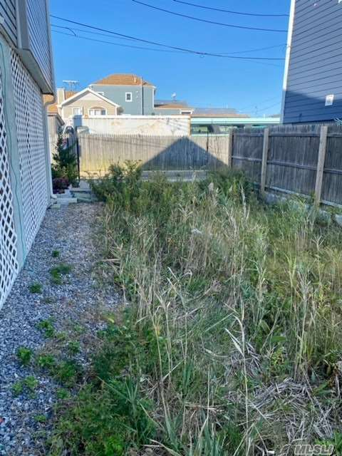 Land 8th Road  Queens, NY 11693, MLS-3268197-2