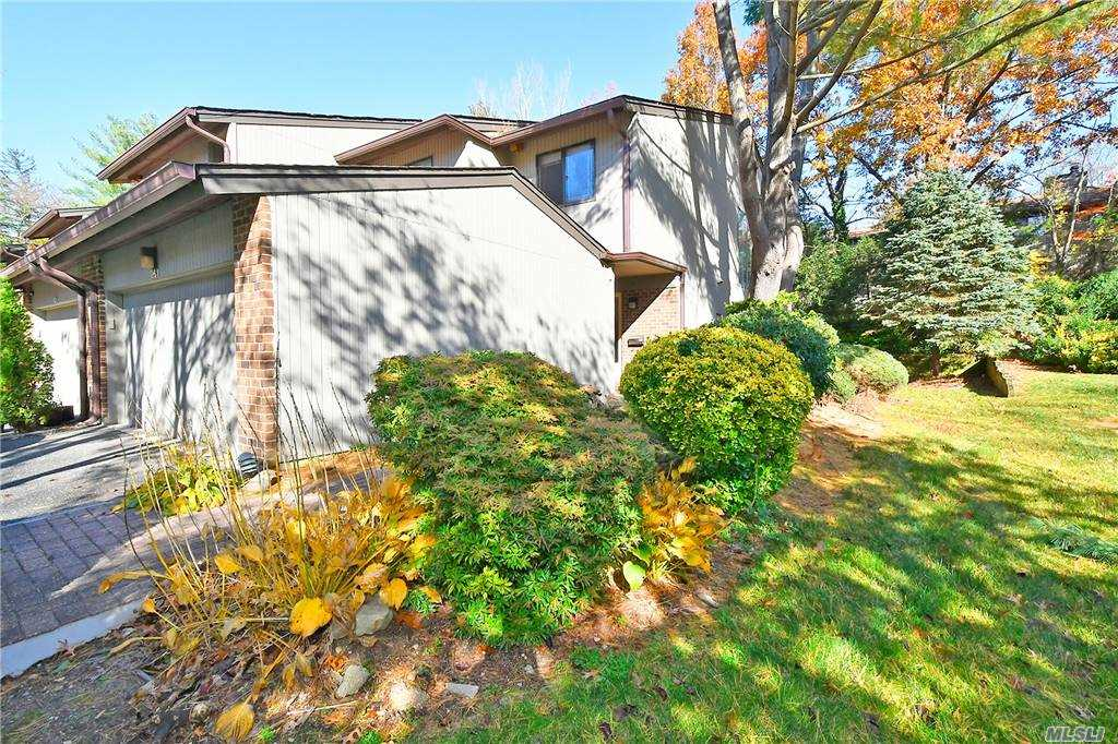 Property for sale at 261 Vista Drive, Jericho,  New York 11753
