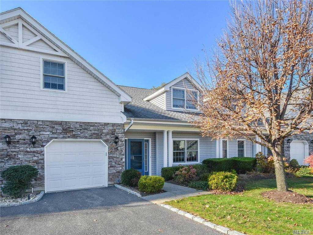 Property for sale at 165 Pond View Drive, Port Washington,  New York 11050