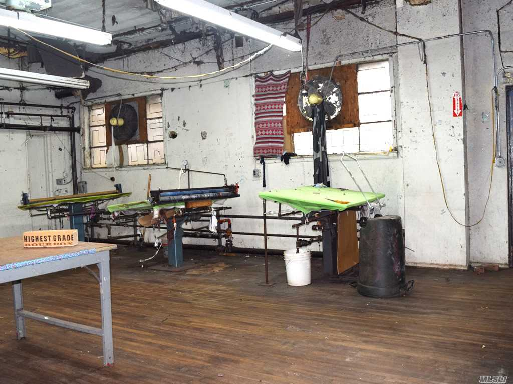 Commercial Lease Woodward Avenue  Queens, NY 11385, MLS-3268444-9