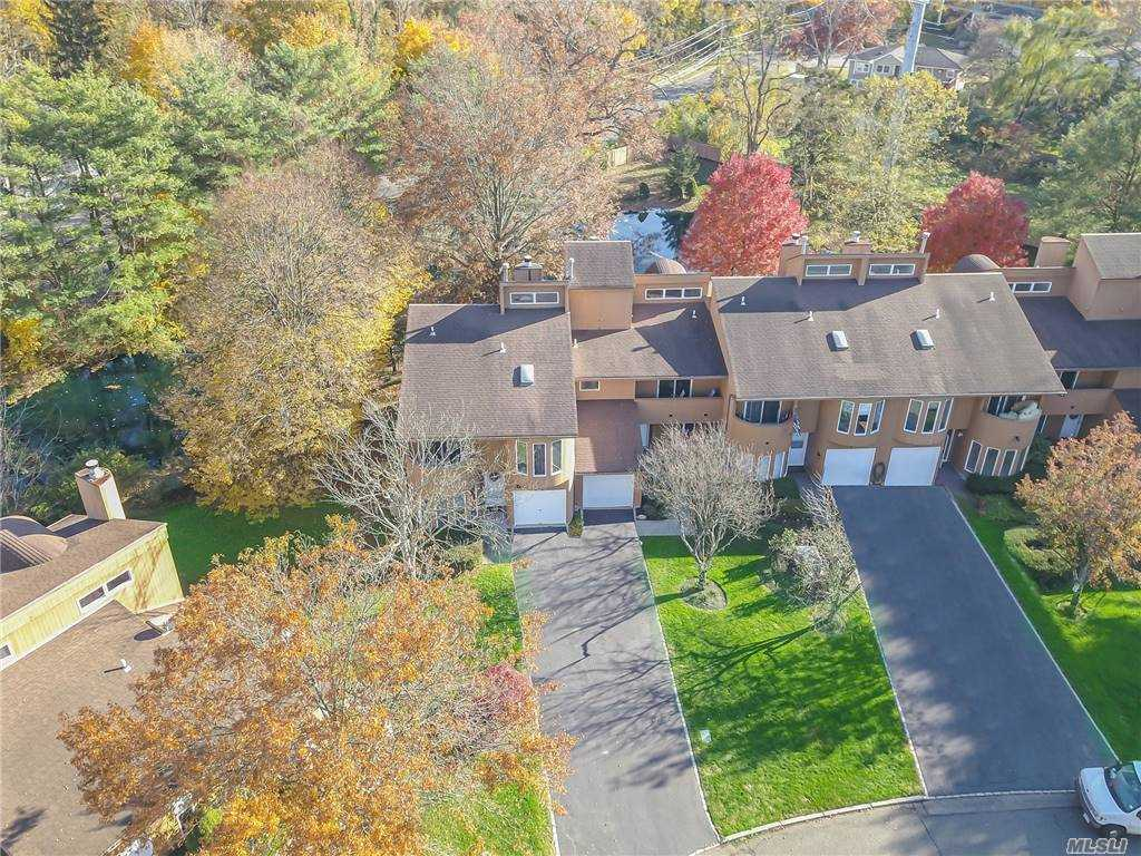 Property for sale at 7 Kristin Lane, Hauppauge,  New York 11788