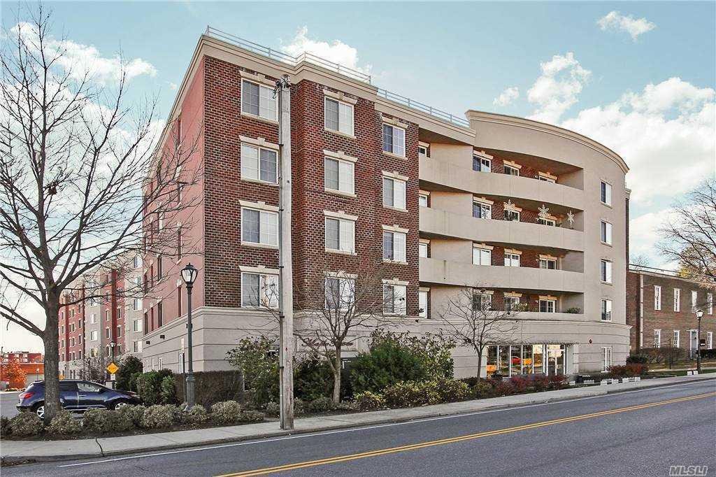 Property for sale at 242 Maple Avenue Unit: 301, Westbury,  New York 11590