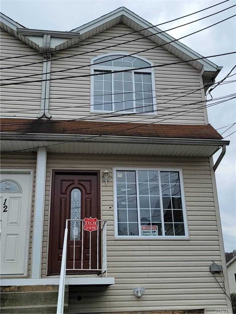 Single Family in Staten Island - Mickardan Court  Staten Island, NY 10304