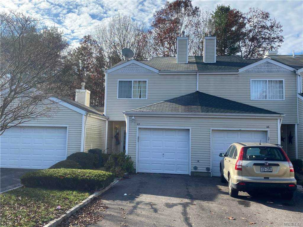 Property for sale at 115 Owls Nest Ct Court, Manorville,  New York 11949