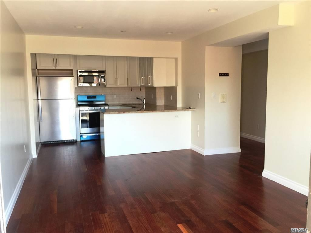 Property for sale at 71-19 162 St Street Unit: 4E, Fresh Meadows,  New York 11365