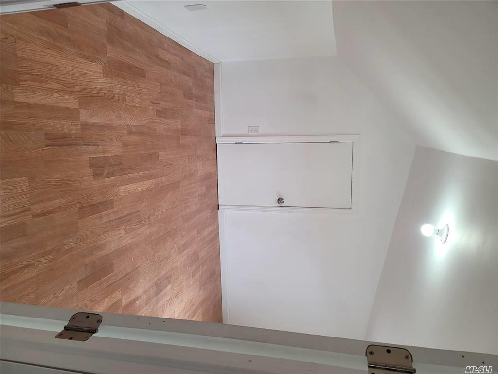 164-27 108th Avenue, Jamaica, New York 11433, 5 Bedrooms Bedrooms, ,2 BathroomsBathrooms,Residential Income,For Sale,108th,3269837