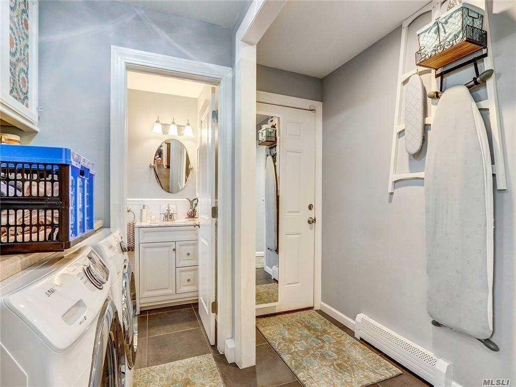 67 Fleetwood Road, Commack, New York 11725, 4 Bedrooms Bedrooms, ,3 BathroomsBathrooms,Residential,For Sale,Fleetwood,3269838