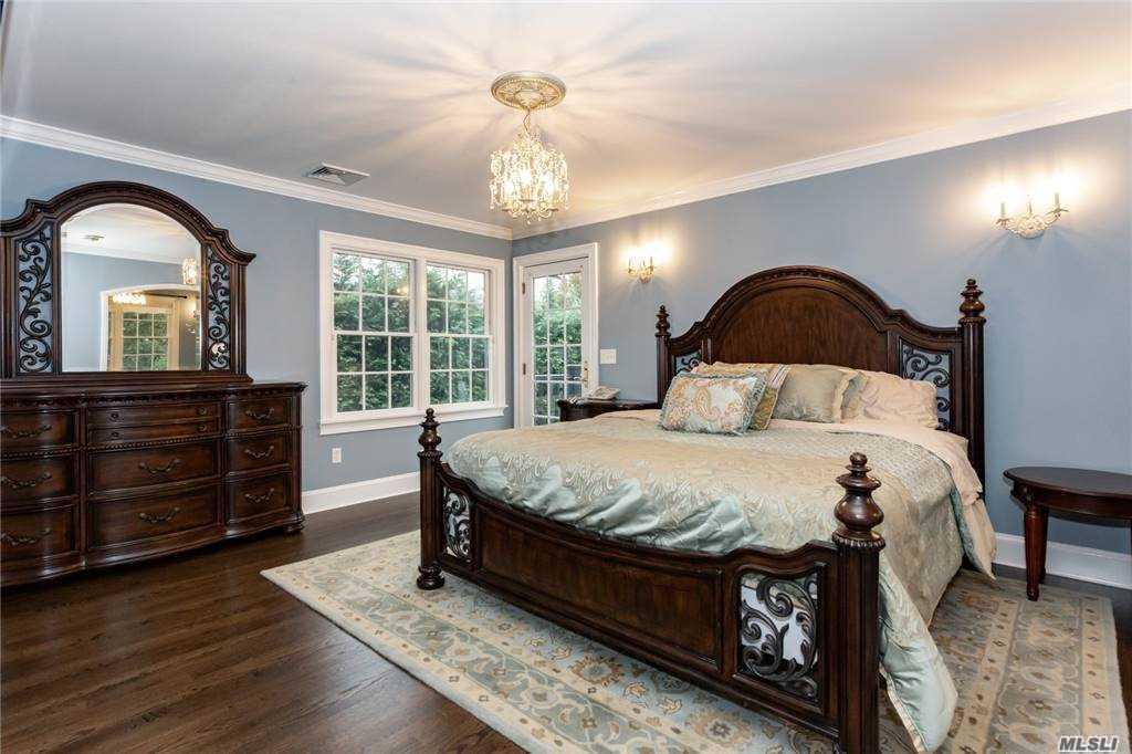 140 Cedar Avenue, Rockville Centre, New York 11570, 4 Bedrooms Bedrooms, ,2 BathroomsBathrooms,Residential,For Sale,Cedar,3269845