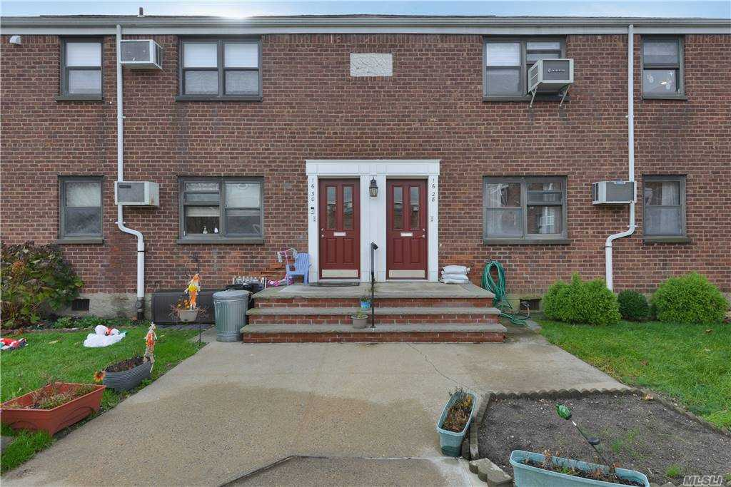 Lovingly Maintained by Longtime Owner, This Lower Clearview Gardens Unit is Set in the Rear of a Courtyard. Features a Living Room/Dining Room Combo, Large Updated Galley Kitchen, Updated Full Bathroom, Two Bedrooms, and Oak Floors in a Quiet Location Yet Close to Shops, Schools, and Transportation.