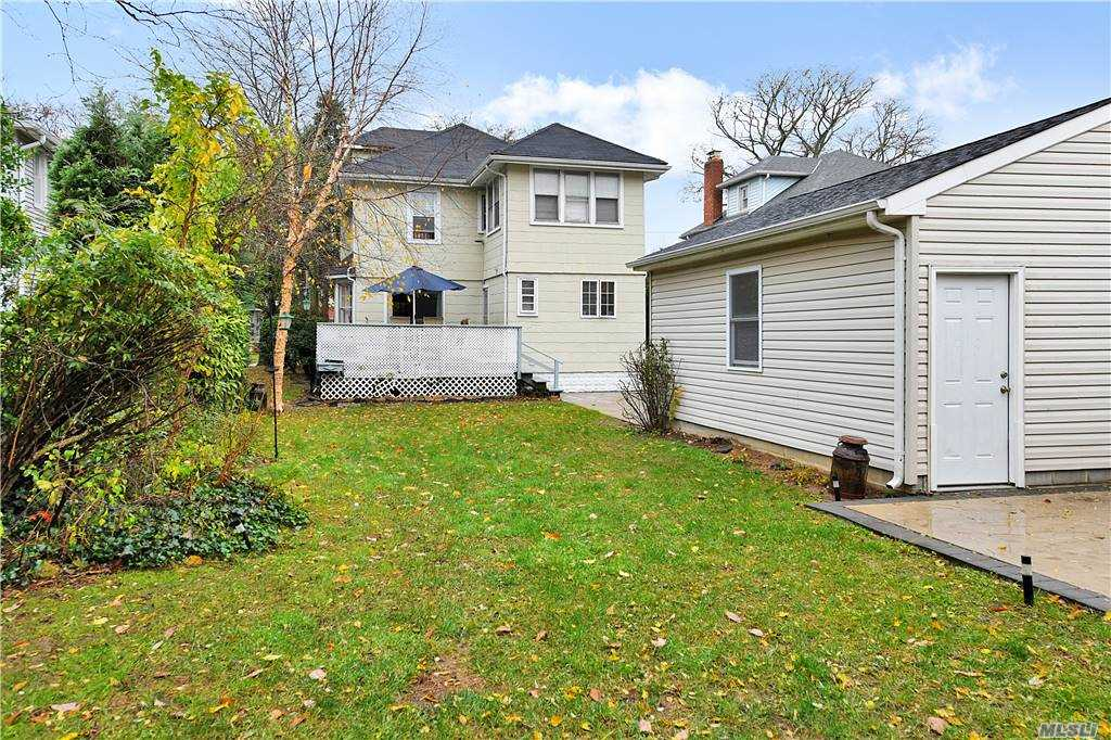 Single Family Brower Avenue  Nassau, NY 11570, MLS-3270377-24
