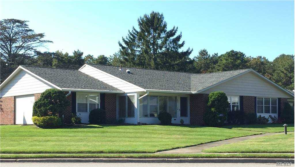 Property for sale at 58 Aylesbury Court Unit: A, Ridge,  New York 11961