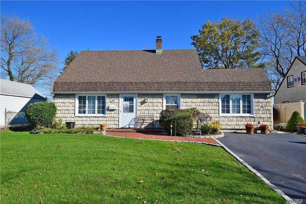 Single Family Gardiners Ave  Nassau, NY 11756, MLS-3270422-2
