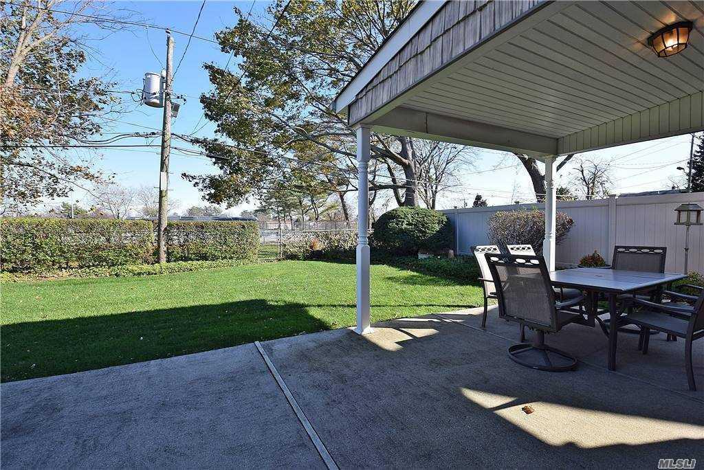 Single Family Gardiners Ave  Nassau, NY 11756, MLS-3270422-22