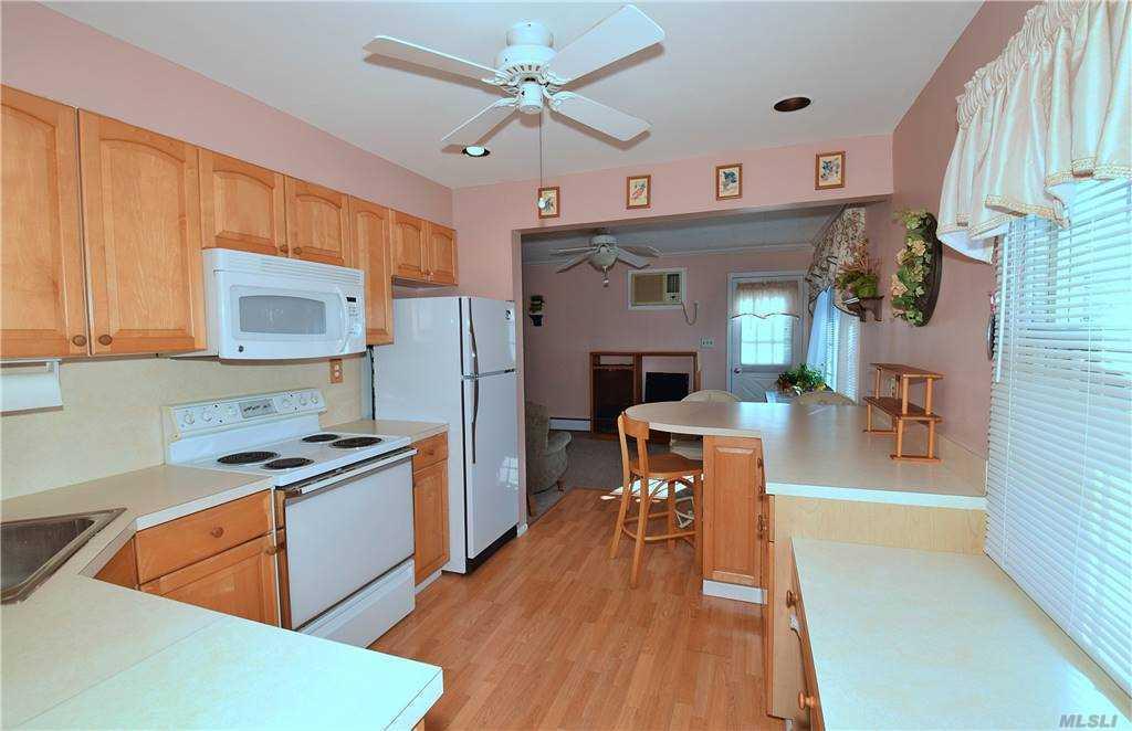 Single Family Gardiners Ave  Nassau, NY 11756, MLS-3270422-10