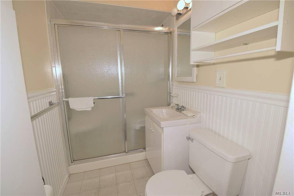 Single Family Gardiners Ave  Nassau, NY 11756, MLS-3270422-15