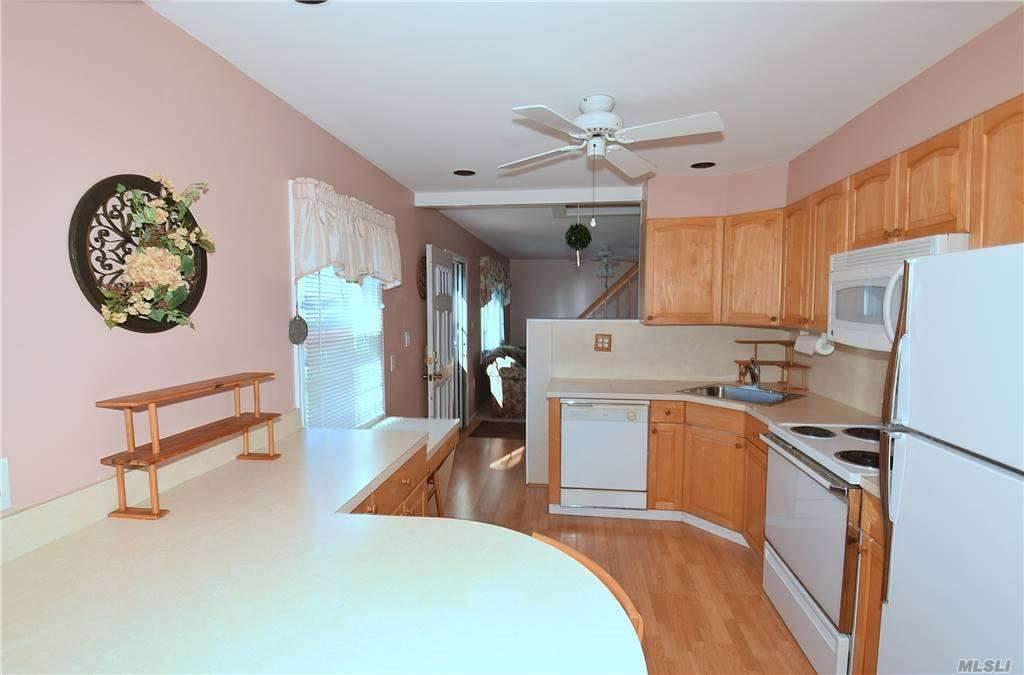 Single Family Gardiners Ave  Nassau, NY 11756, MLS-3270422-11