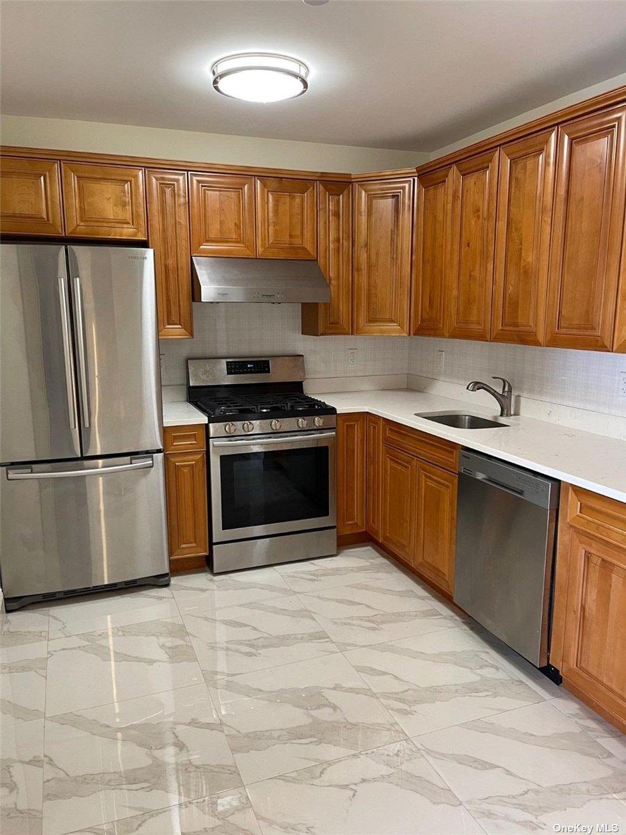 Property for sale at 65-38 Austin Street Unit: 5J, Rego Park,  New York 11374