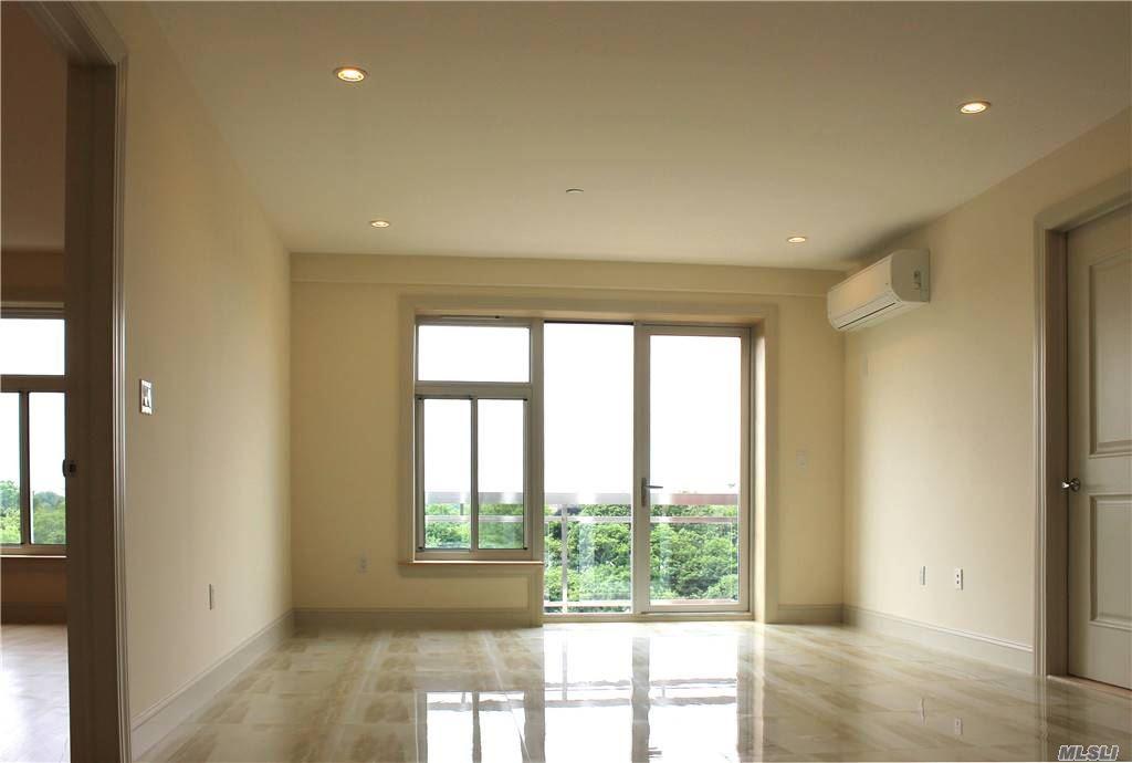 Property for sale at 65-38 Austin Street Unit: 7A, Rego Park,  New York 11374